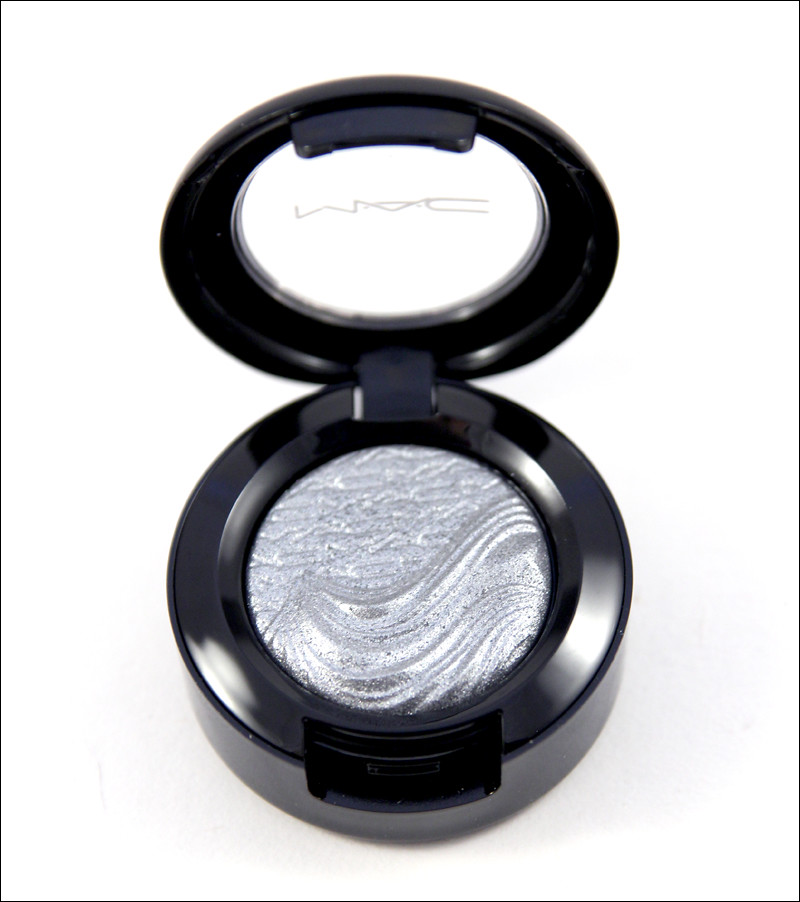 MAC Evening grey extra dimension eyeshadow1