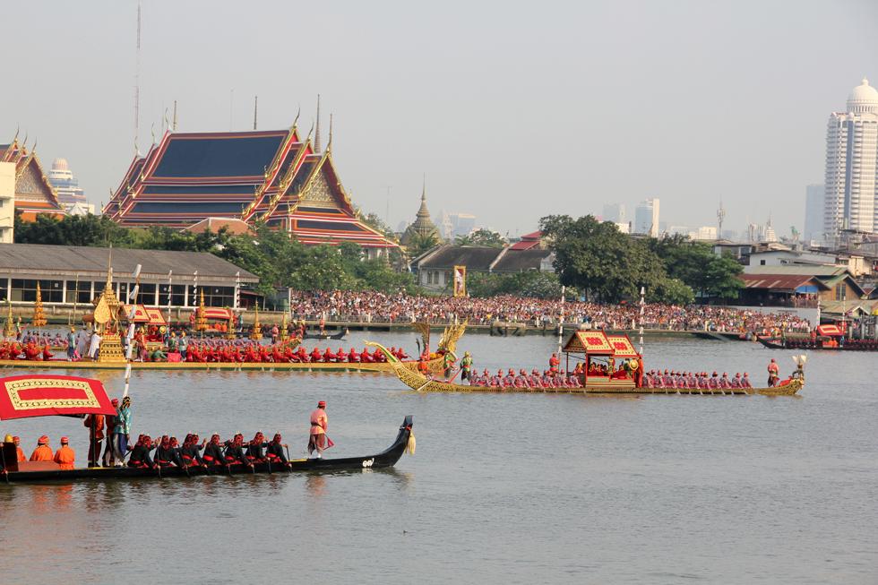 Thai Royal Barge Procession (กระบวนพยุหยาตราชลมารค)