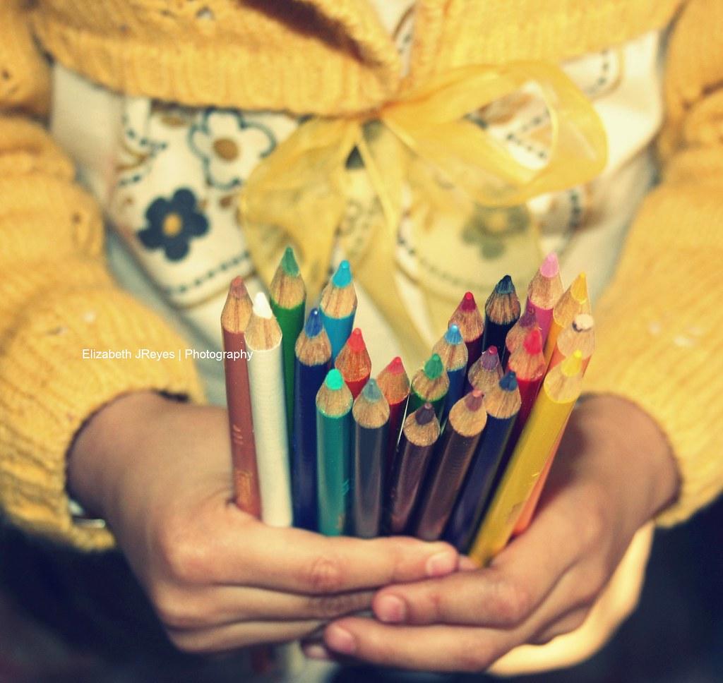 Uno tiene en sus manos,  el color de su día...
