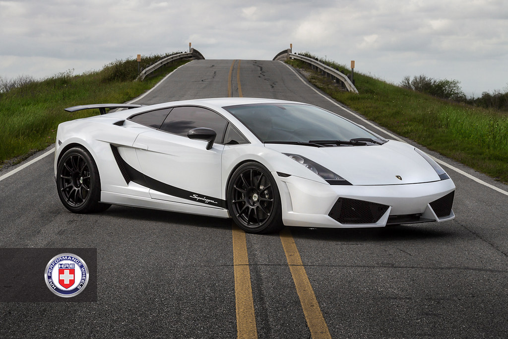 White TT Lambo Superleggera on HRE P43S - Teamspeed.com