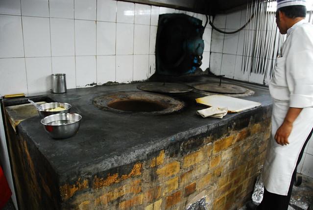 Tandoor Oven | A tandoori oven at a restaurant I went to ...
