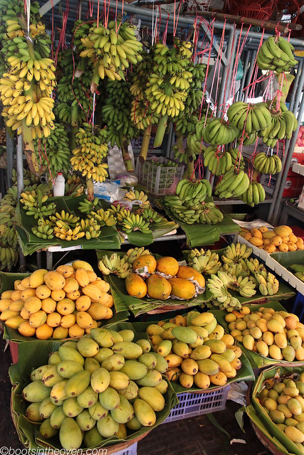 Shades of yellow and green: Mango and Banana