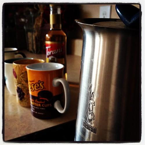 Espresso is brewing! #bialetti #illy #coffee #mmmm