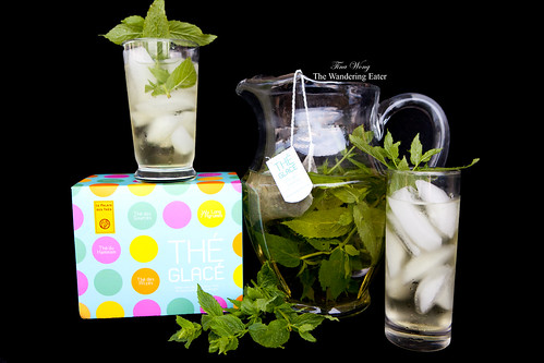 Thé Glacé: Thé des Sources blend with fresh mint from my garden