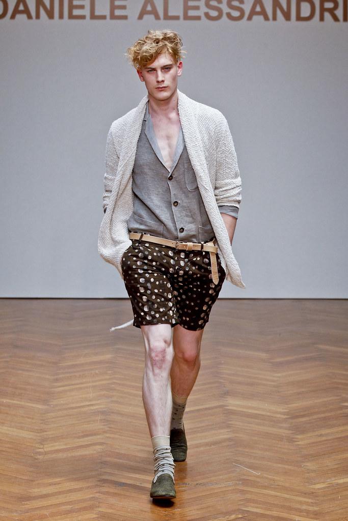 SS13 Milan Daniele Alessandrini025_Fenn Sean(fashionising.com)