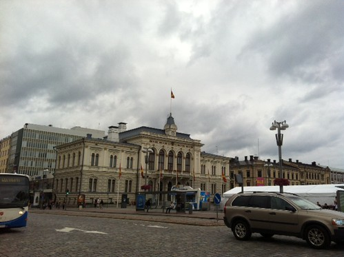Tampere keskväljakul by elviina