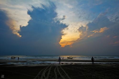 sea sky people beach sunrise dawn boat fisherman sigma kuantan 816 beserah