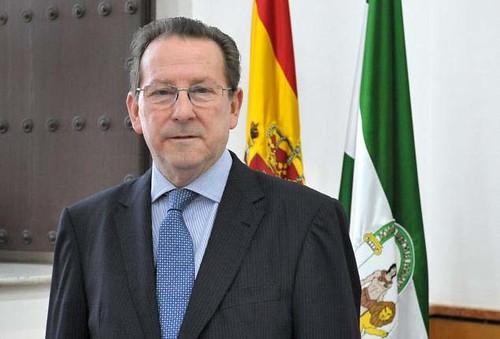 Emilio de Llera Suárez-Bárcena consejero de lo taurino.