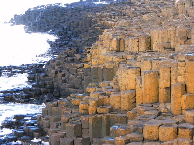 The famous rock formations of Giants Causeway, Ireland ...
