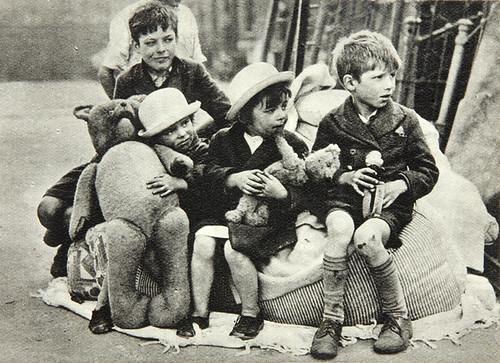 Bombardearon a cabo en los Niños Por los Archivos Nacionales del Reino Unido