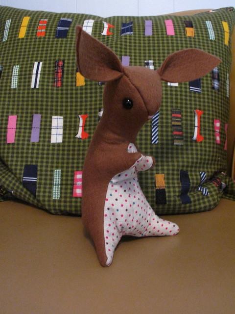 Wool felt bunny 0655