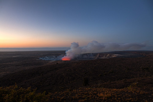 Sunrise at Halemaʻumaʻu Vent
