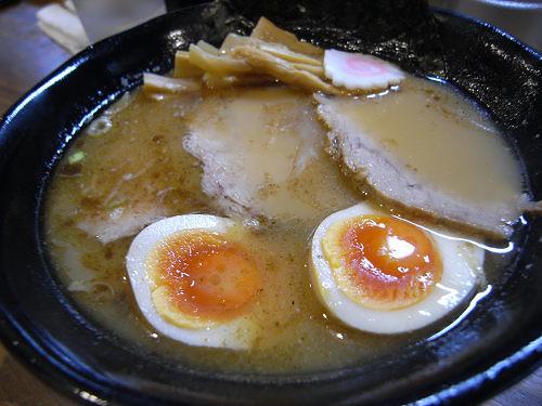 麺もスープもインパクトあり!『麺屋いちびり』@橿原市