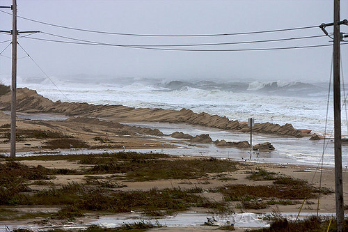 2009 storm on the Outer Banks (by: Bryan Elkus, creative commons)