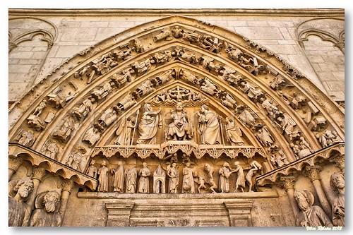 Tímpano da porta da Coroneria da catedral de Burgos by VRfoto