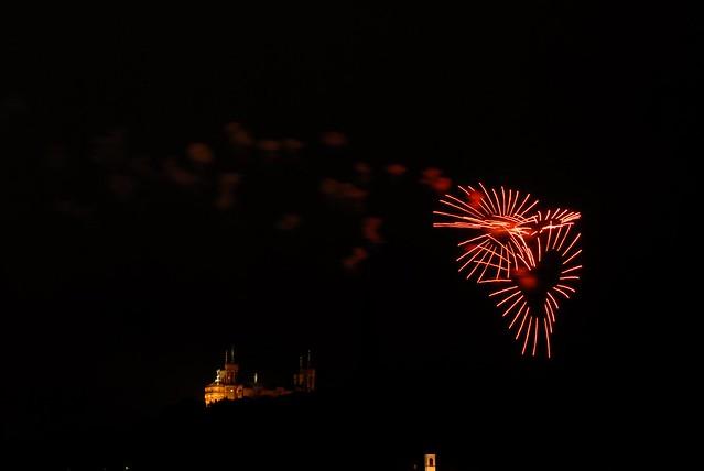 Lyon feu d'artifice fourviere 14 juillet 2012