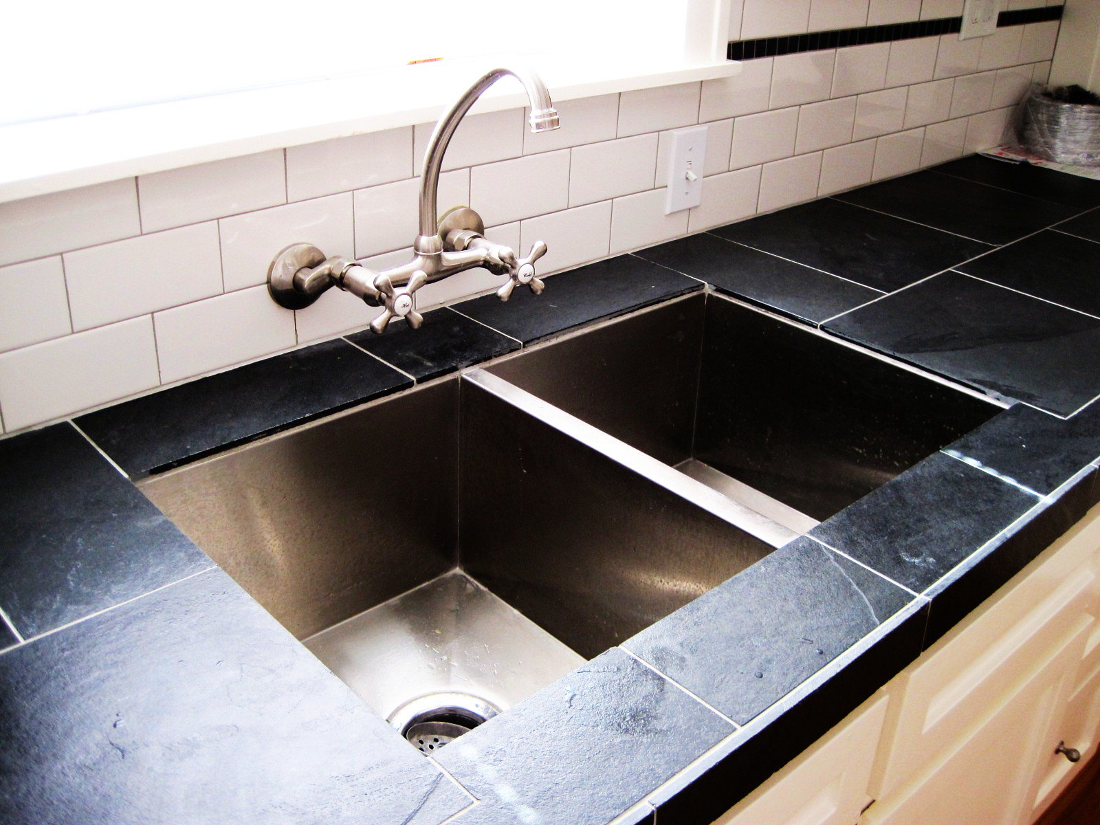 X  Undermount Kitchen Sink