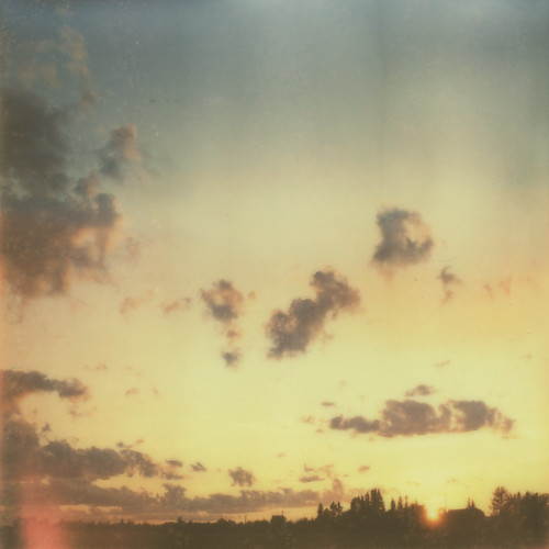 sunset film sx70 instantfilm roidweek peaceregion impossibleproject px70colourshadecool