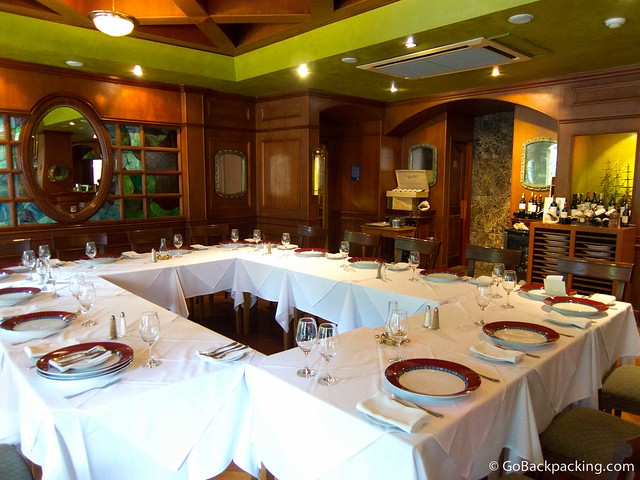 The formal dining room at La Frigata