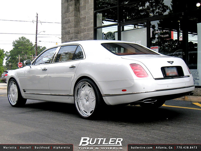 Bentley Mulsanne with 24in Forgiato Galassio Wheels