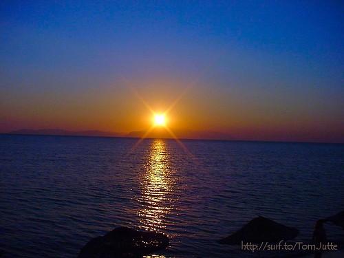 travel sunset sea sky sun holiday beach monument nature water reflections turkey island vakantie zonsondergang sony türkiye cybershot zee turkije samos kusadasi reizen webshots f505