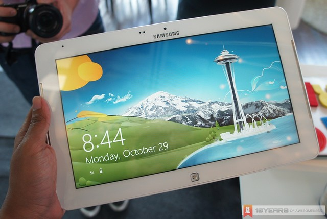 [Preview] Samsung ATIV Smart PC Series in White