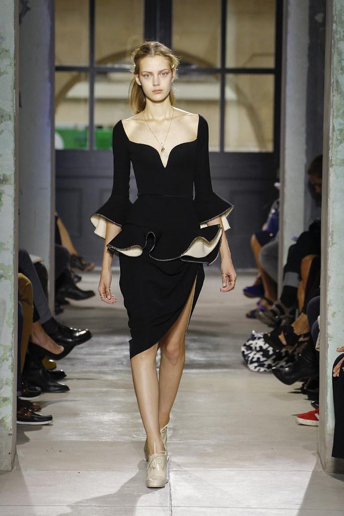 balenciaga-ss13-womenswear-03