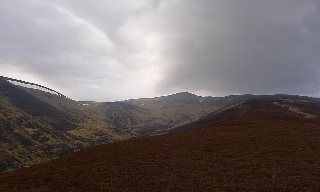 The long ridge to Carn a' Chlamain