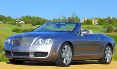 executive car(0.0), automobile(1.0), automotive exterior(1.0), bentley continental supersports(1.0), wheel(1.0), vehicle(1.0), automotive design(1.0), bentley continental gtc(1.0), bentley continental flying spur(1.0), bentley continental gt(1.0), bumper(1.0), personal luxury car(1.0), land vehicle(1.0), luxury vehicle(1.0), bentley(1.0), coupã©(1.0), convertible(1.0),