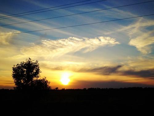 """没有什么比夕阳更妙。"" ~ Claude Debussy"