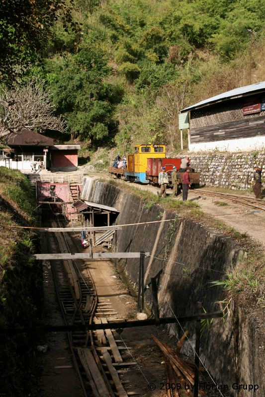 http://farm8.staticflickr.com/7119/7434479874_90333d144f_b.jpg