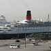 QE2 in Dubai by grey0beard