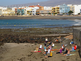 Image of Playa De Arinaga Beach with a length of 750 meters. grancan arinaga playadearinaga