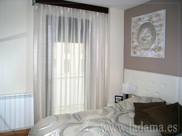 Cortinas en dormitorio moderno flickr photo sharing - Cortinas para miradores ...