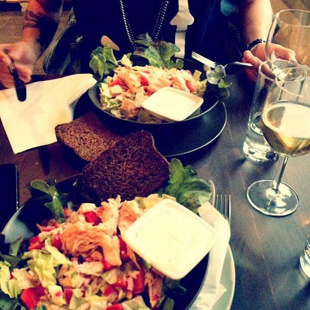 Jos halusitte tampereella hyvää salaattia niin 931 kehräsaaressa!!!
