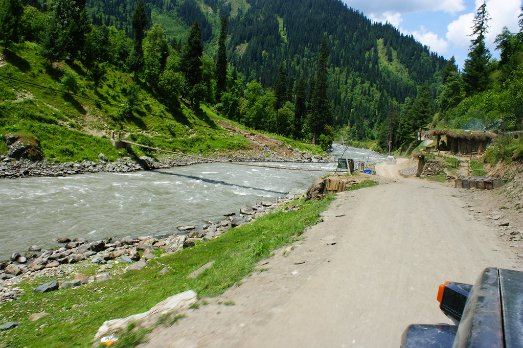 """MJC Summer 2012 Excursion to Neelum Valley with the great """"LIBRA"""" and Co - 7608714960 b04e8dbfa8 b"""