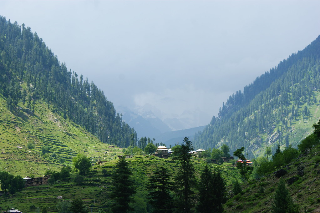 """MJC Summer 2012 Excursion to Neelum Valley with the great """"LIBRA"""" and Co - 7635552800 3d236d88dc b"""