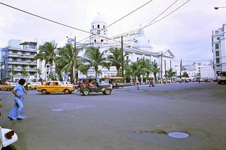 Plaza Santa Cruz in Manila