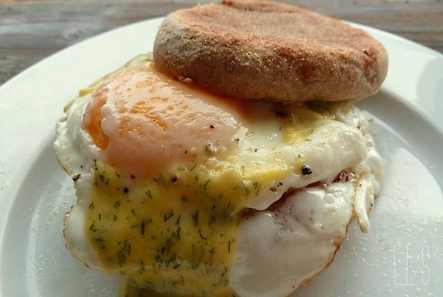 Egg muffin sandwich