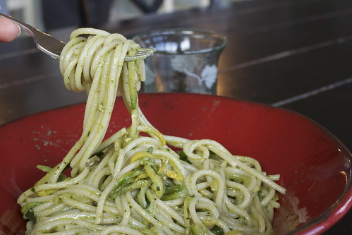 Creamy Zucchini Strand Pesto Pasta