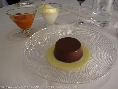 ©Vincent Klink Wielandshöhe Schokoladenpudding Aprikosenkonfit Vanille-Glace