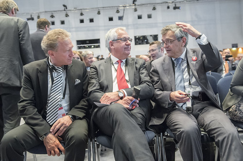 José Viegas speaks with Hans Christian Schmidt and Norbert Barthle .