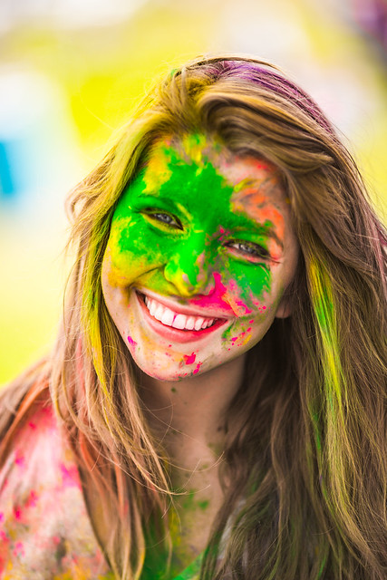 7083829661 85a30e743f z 15 Amazing Images Of The Festival of Colors