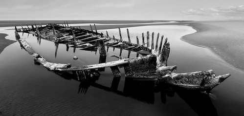 Star of Hope Wreck Ainsdale Beach low tide by frazerweb