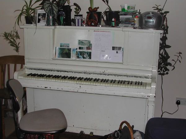 The bright white piano from DIY