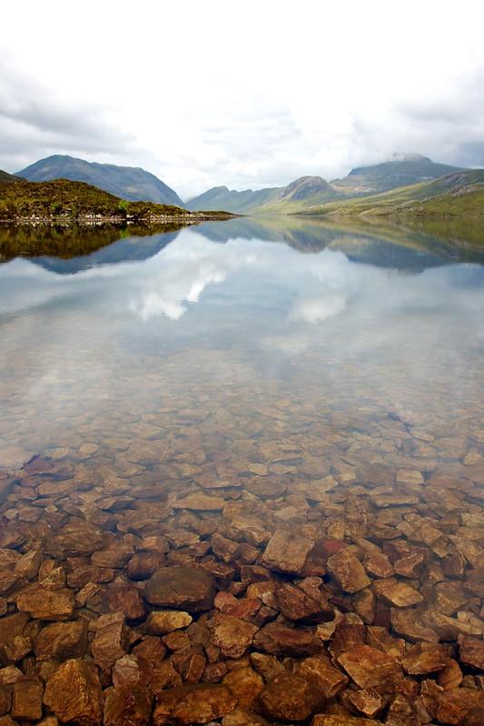 Clear waters of Lochan Fada