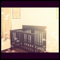 text(0.0), iron(0.0), furniture(1.0), room(1.0), bed(1.0), nursery(1.0),