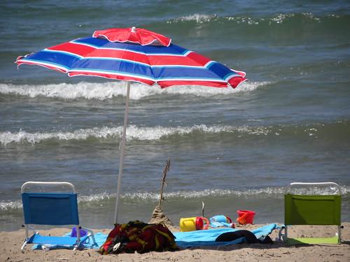 Beach Scene by crisscrossgirl