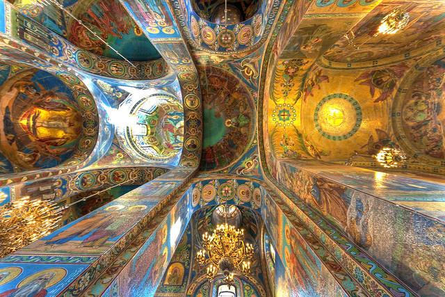 Interior de la Iglesia del Salvador sobre la sangre derramada, San Petersburgo | Rusia