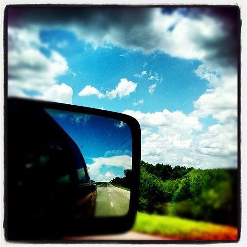 Cloud porn. #hipstamatic #wattslensbigupfilm #instagram #iphonography #iphone4s